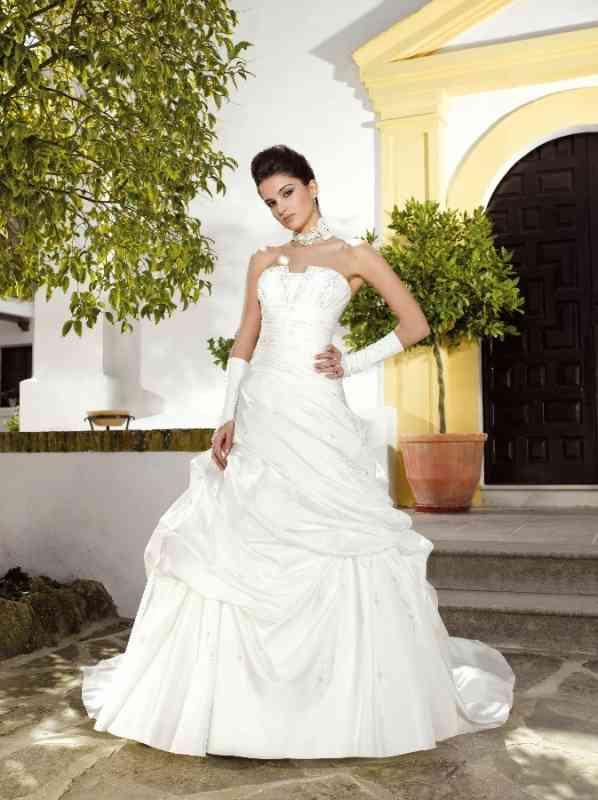 45644f13b3 Menyasszonyi ruha MK 121-47 Miss Kelly