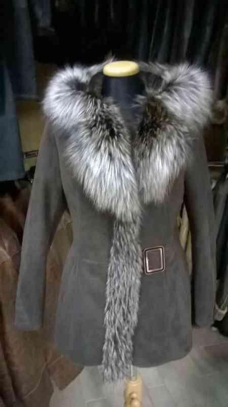 Női írha kabát ezüstróka díszítéssel. Akció! 50cd1ba26d