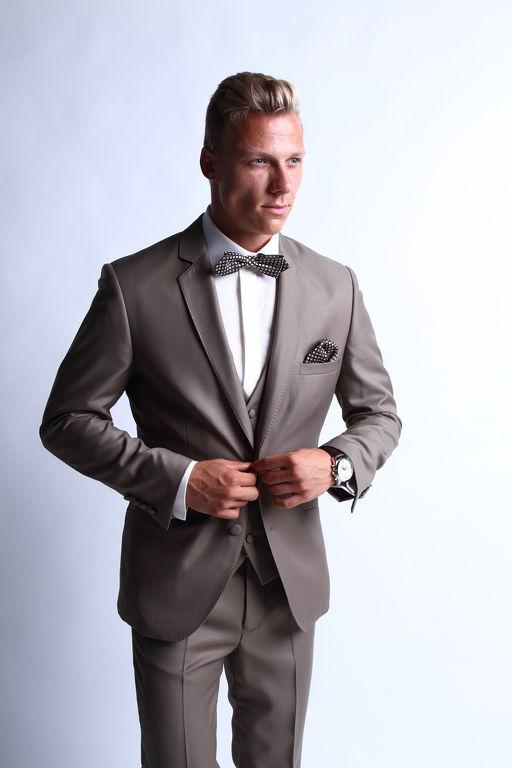 9c77f1d172 Esküvői férfi öltöny Győr