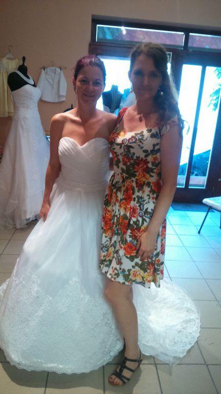 64d96b5c2e Menyasszonyi ruha