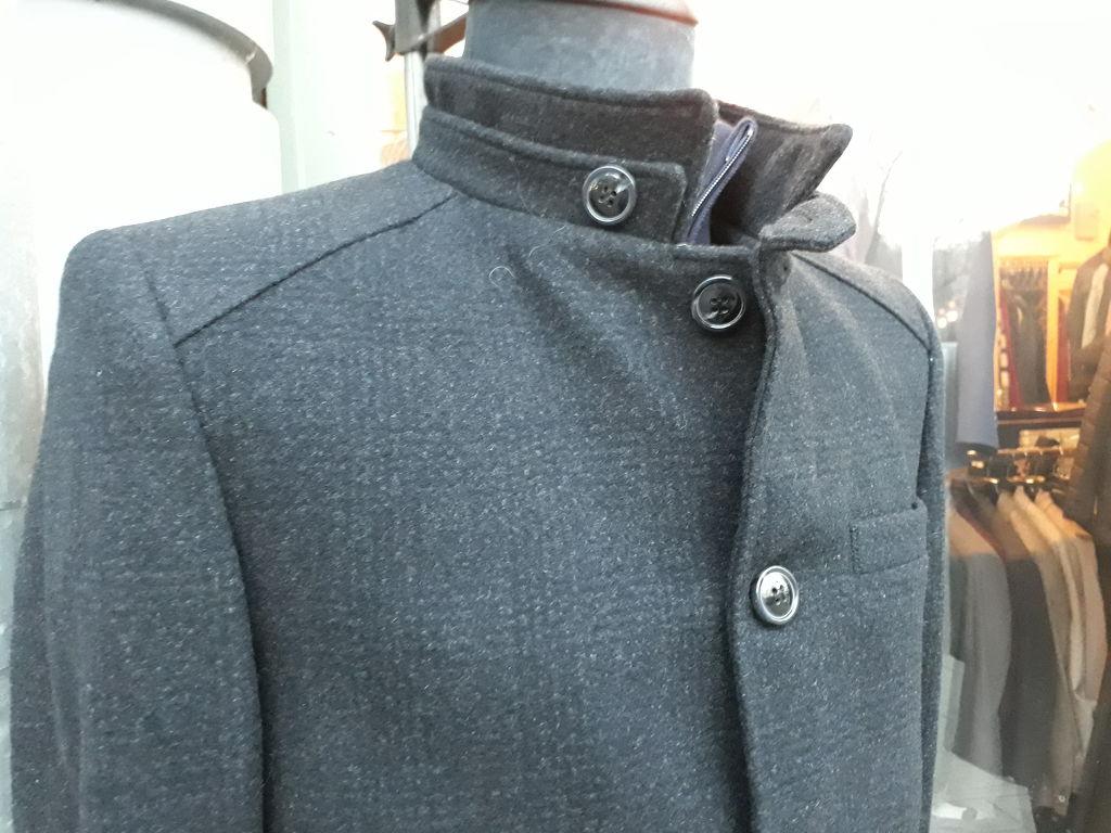2ea8f99ab9 Öltöny Férfi ruházat Kecskemét, férfi farmer, zakó, férfi ing, nadrág,  póló, nyakkendő, öv,